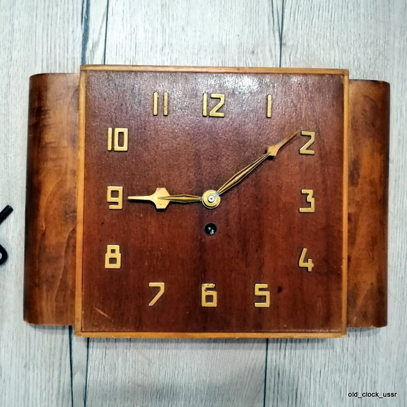 vintage clock ussr